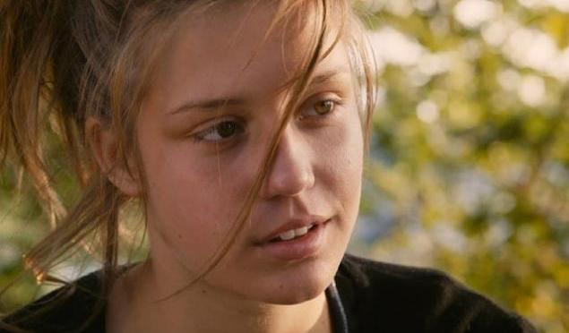 5 THINGS YOU NEED TO KNOW: Blue is the Warmest Color